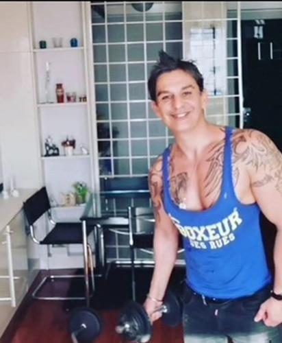 Adriano Fratoni-Allenamento da casa con personal trainer